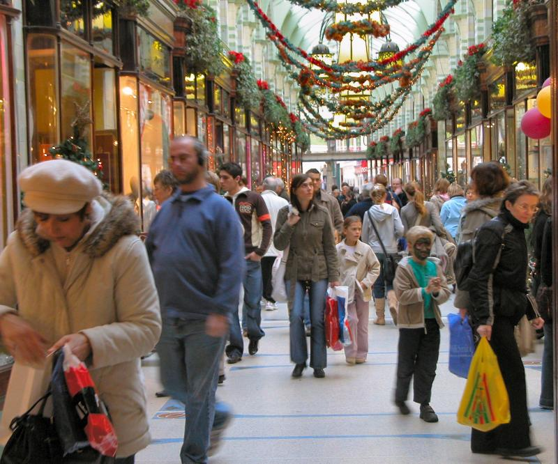 Christmas In July Sales Blitz.Retail S Busiest Xmas In 5 Years Shelfwatch